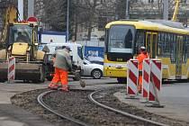 Výměna výhybek tramvajové trati U Zvonu