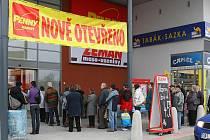 Otevírání nového obchodního areálu v Plzni naproti Prazdroji