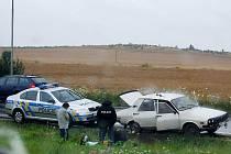 Jednoho zfetovaného muže v bílé dacii zastavili policisté v Plzni v sobotu ráno, druhého ve stejném autě odpoledne.