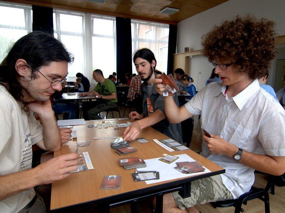V D klubu v Doubravce uspořádali členové klubu deskových her Bedna den pro děti i dospělé