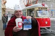 Do ulic Plzně vyjela tříkrálová tramvaj