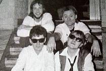 Znouzectnost 26. listopadu 1986 v plzeňském klubu Oko v Kollárově ulici.
