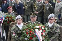 Pietní akt u pomníku v Plzni na Slovanech