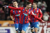 Milan Petržela z raduje z gólu, který vstřelil Liberci.