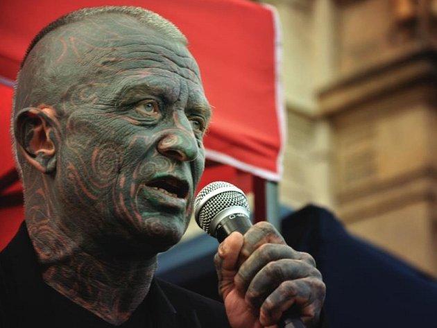 Vladimír Franz navštívil Plzeň podruhé. V prvním případě řečnil pro veřejnost,  nedávno se ukázal na akademické půdě.