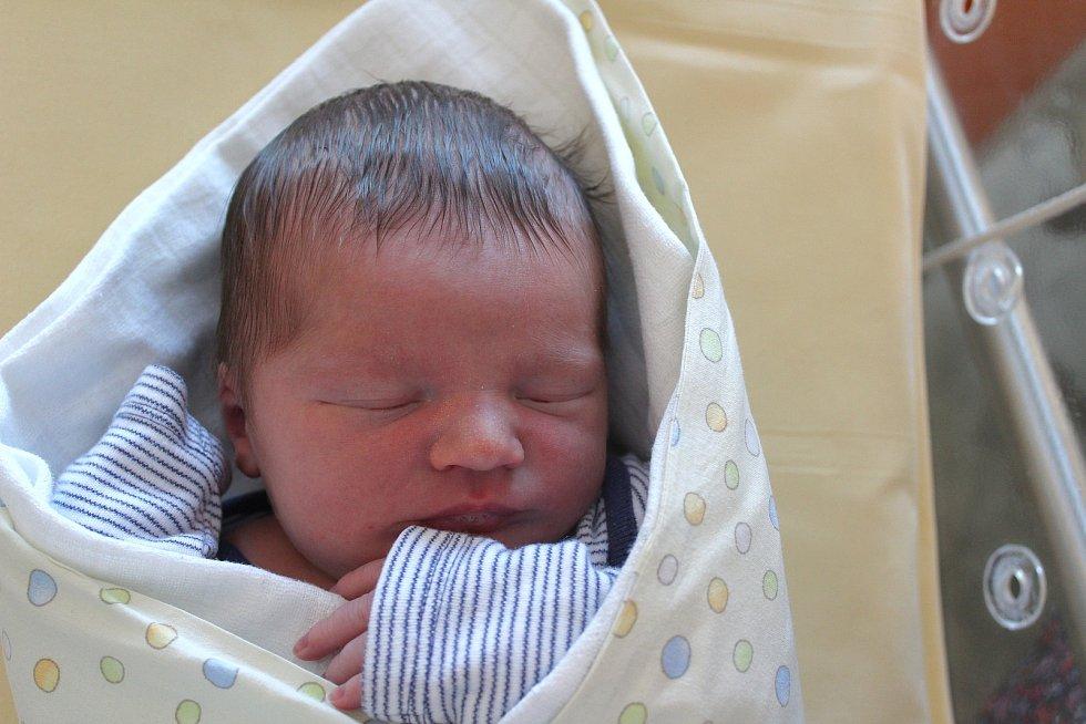 Matyáš Havel ze Žichlic se narodil v plzeňské nemocnici U Mulačů 8. září ve 3:06 hodin (3580 g) rodičům Anetě a Jakubovi, kteří dopředu věděli, že jejich první miminko bude kluk.