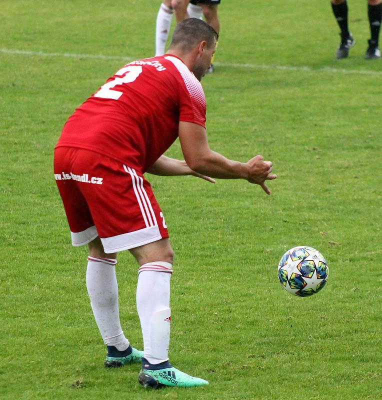 FORTUNA divize A - podzim 2020: FK Robstav Přeštice (žlutí) vs. SK Petřín Plzeň (červení) 3:1.