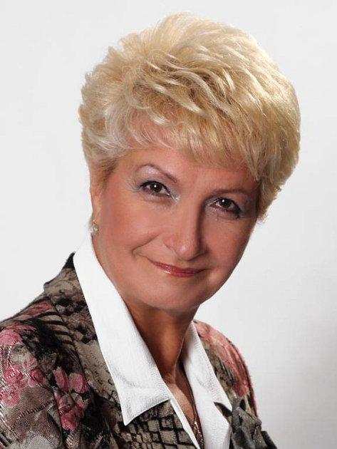 Milada EMMEROVÁ (63), hejtmanka. Má dvě děti, ve volbách 1996 se stala poslankyní Parlamentu ČR.V srpnu 2004 ministryní zdravotnictví. Nyní pracuje ve Fakultní nemocnici Plzeň. Členka ČSSD