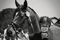 Tereza Čechurová se svým koněm Elfen Prinz.