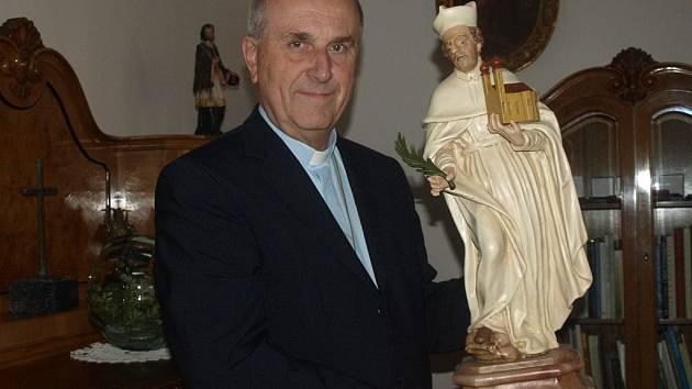 Biskup František Radkovský s patronem plzeňské diecéze blahoslaveným Hroznatou