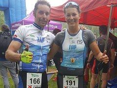 Jan Řehula po absolvování Hus muže zapózoval s Pavlínou Vargovou, která vyhrála závod žen.