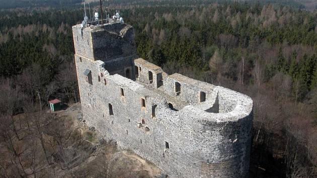 Středověký hrad Radyně ve Starém Plzenci nedaleko Plzně.