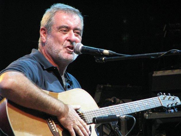 Zpěvák Michal Prokop se v pondělí představil v rámci festivalu Na ulici.