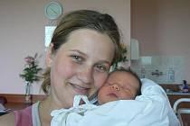 Adámek (3,13 kg, 49 cm) se narodil 23. června v 6.47 hod. ve FN v Plzni. Je prvorozeným synem Jany Lalové a Tomáše Kováříka z Mostic a také prvním vnoučátkem prarodičů z obou stran