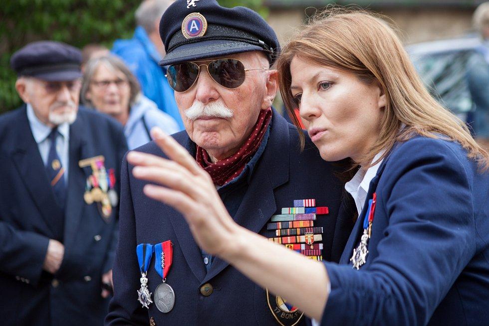 Snímek z natáčení dokumentu o belgických veteránech, který Pavla Kocourková připravuje.