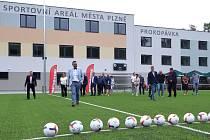Sportovní areál Prokopávka v Plzni Bolevci je po téměř dvouleté rekonstrukci a dostavbě opět v provozu. Sportoviště je nově kompletně bezbariérové.