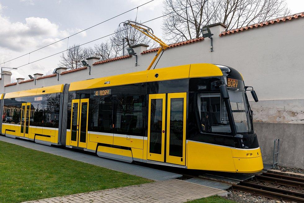 Takhle vypadají nové tramvaje pro Plzeň.