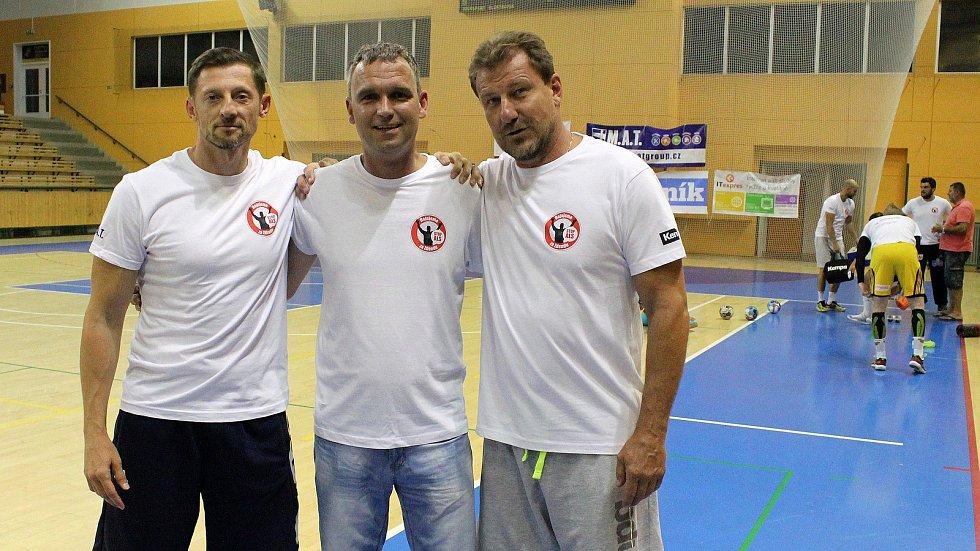 Zdeněk Hejduk (uprostřed) s Danielem Čurdou (vlevo) a Michalem Tonarem st.