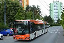 Škoda Electric ze skupiny Škoda Transportation předala první z flotily deseti nových trolejbusů pro norské město Bergen. První cestující by se měli svézt moderními nízkopodlažními vozidly na podzim letošního roku.