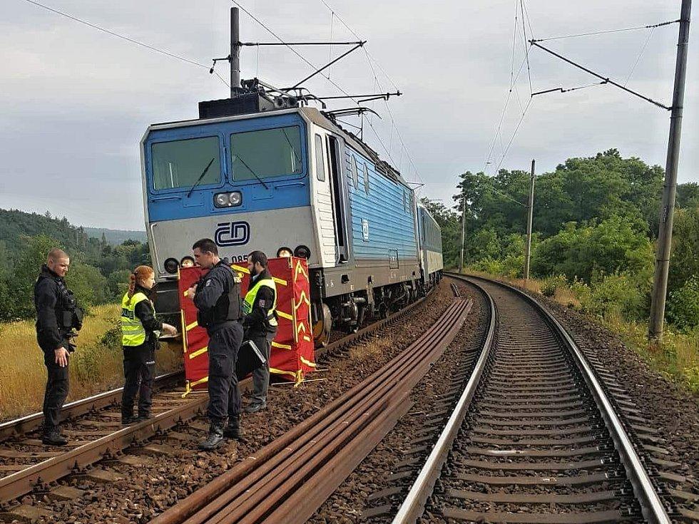 Na Doubravce srazil vlak mladého muže.