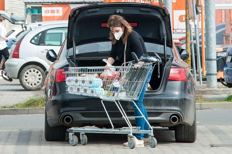 Situace v nákupním areálu Area Bory.