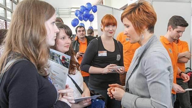Univerzita hostila veletrh příležitostí.