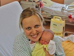 Veronika Šosová se narodila 29. září v 11:32 mamince Lucii a tatínkovi Miroslavovi z Přeštic. Po příchodu na svět v klatovské porodnici vážila jejich dcerka 2490 gramů a měřila 47 centimetrů