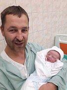Sebastian Sluka se narodil 14. listopadu ve 14:40 rodičům Evě a Josefovi zPlzně. Po příchodu na svět U Mulačů vážil bráška Elišky a Adélky 3600 gramů a měřil 51 cm.