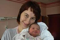Manželé Petra a Milan Krejskovi ze Šťáhlav věděli předem, že jim ktříapůlleté Zuzance přibude druhá dcera. Evička (3,32 kg, 49 cm) se narodila 24. ledna ve 23:33 hod. ve FN vPlzni