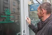 Potravinová banka Plzeň sídlí na Borech, Plzeňská potravinová banka nově v Husově ulici.