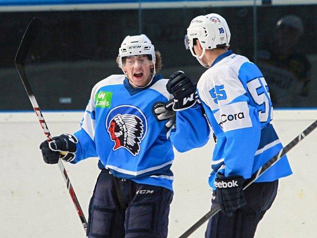 Derby v přípravě rozhodly až nájezdy, v nich byli úspěšnější hokejisté Energie Karlovy Vary.