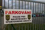 Parkování u plaveckého stadionu Lokomotiva