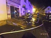 Požár prodejny autodílů v Přešticích