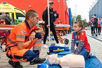 Děti si mohly vyzkoušet i práci záchranářů.