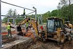 Výstavba nových pavilonů v zoo. Na nová místa se nastěhují žirafy a nosorožci