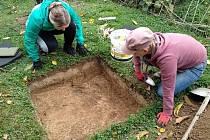 Práci archeologa si mohou lidé vyzkoušet v sobotu a v neděli v Myslince.
