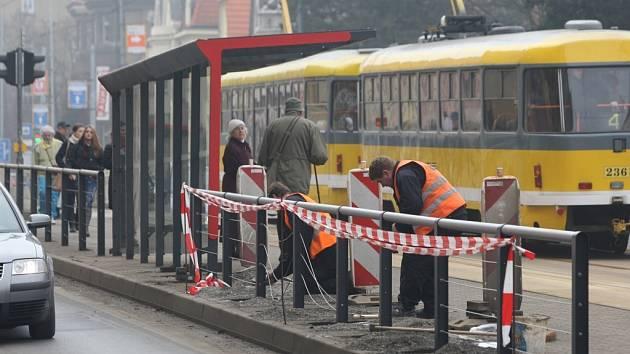 Zastávka Dobrovského se po dvou měsících dočkala oprav