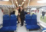 Nové elektrické jednopodlažní vlaky RegioPanter byly ve čtvrtek představeny Škodou Transportation zástupcům Českých drah i představitelům krajů.