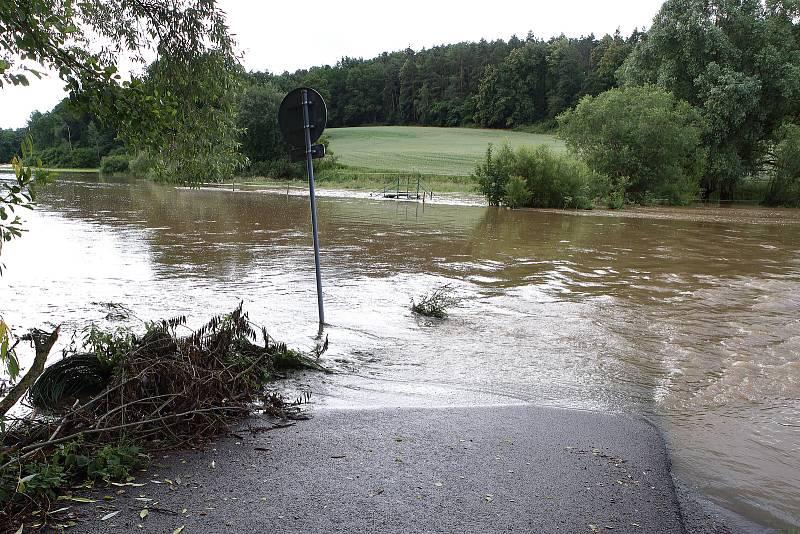 Koterov - meandr řeky Úslavy, zaplavené louky, cyklostezka Koterov - Starý Plzenec