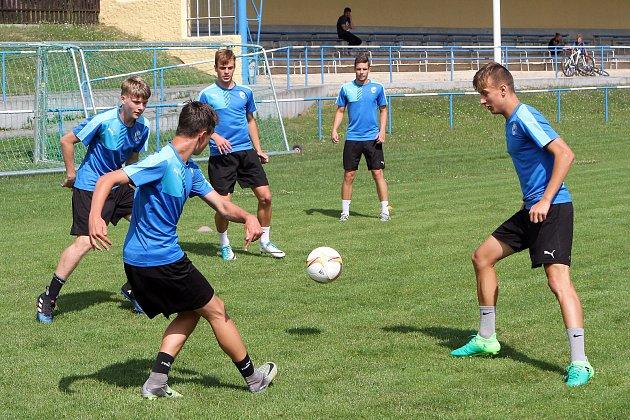 Dorostenci Viktorie trénují v Tlučné na nadcházející sezonu.