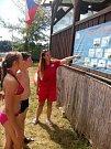 ednadvacetiletá Veronika Mičková je členkou týmu, který každoročně během léta zachraňuje životy na hracholuské přehradě.