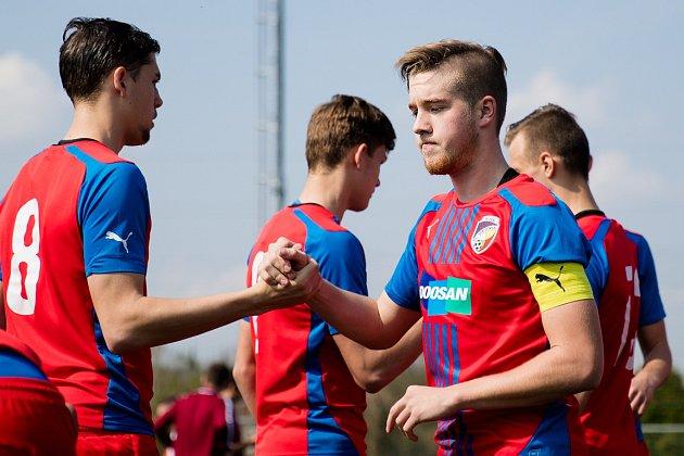 Fotbaloví dorostenci FC Viktoria Plzeň si zahráli pro svým vrstevníkům z Bayernu Mnichov.   Foto: FCVP