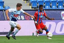 ADRIEL BA LOUA motal svými kousky hlavu zadákům dánského SønderjyskE, a výraznou měrou tak přispěl k vítězství plzeňské Viktorie 3:0 a postupu do boje o skupinu Evropské ligy.