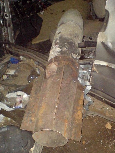 V bývalých kasárnách v ulici Ke Karlovu v Plzni na Borech byla v úterý večer nalezena letecká munice. Pyrotechnik ji označil za cvičnou, neobsahující trhavinu, a odvezl ji k likvidaci