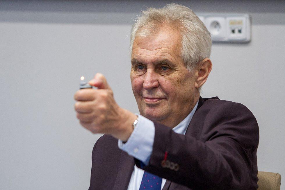 Prezident Miloš Zeman ve spalovně v Chotíkově