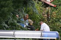 U domu zavražděných manželů probíhalo v pátek policejní vyšetřování
