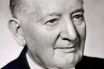Chodský národopisec a hudební skladatel Jindřich Jindřich se vydání svého ojedinělého slovníku nedožil. Zemřel v roce 1967 ve věku 91 let