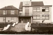 Škola v roce 1931.