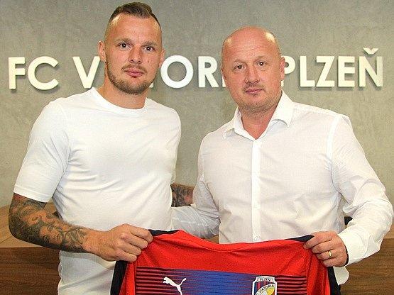 Jakub Řezníček podepsal s Viktorií Plzeň tříletou smlouvu.