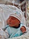 Jiří Hečko se narodil 11. listopadu 15 minut po půlnoci mamince Lence a tatínkovi Jiřímu zPlané u Mariánských Lázní. Po příchodu na svět ve FN Plzeň vážil bráška tříleté Kristýnky 3560 gramů a měřil 50 cm.